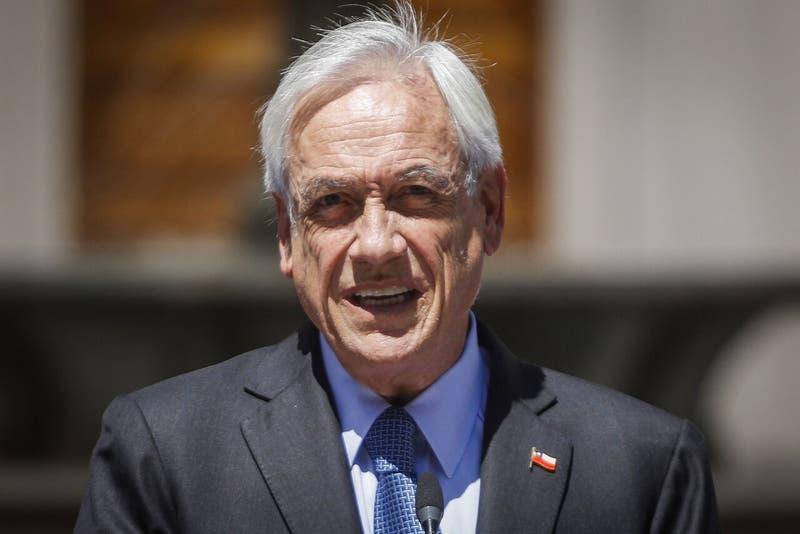 Cadem: Aprobación del Presidente Piñera cae 4 puntos y se ubica en el 20%