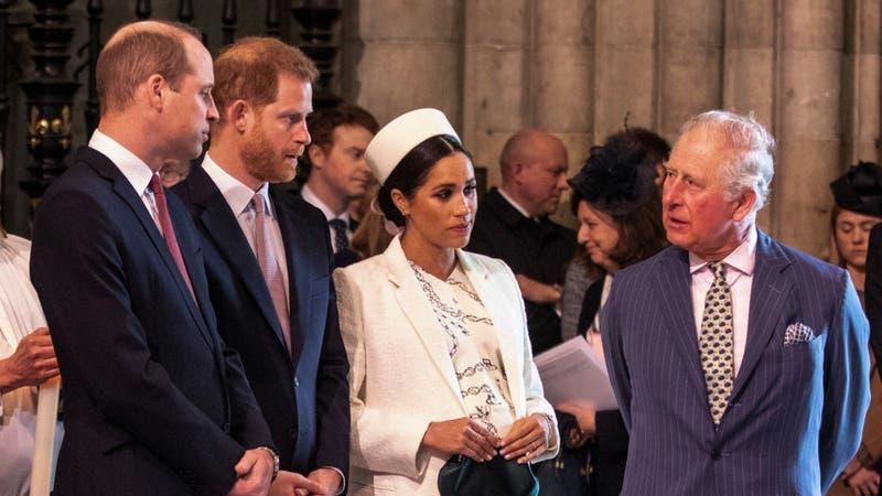 """Harry dice estar """"realmente decepcionado"""" de su padre, el príncipe Carlos"""