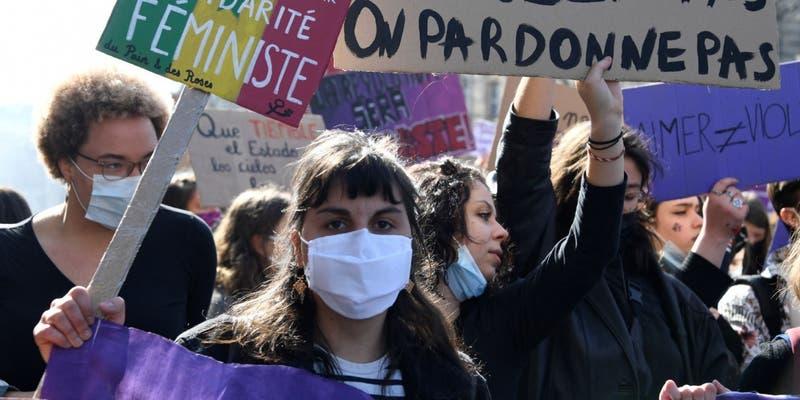 Francia: indignación por carta de violador en diario Libération