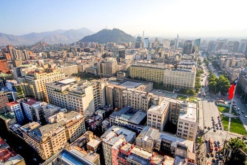 FMI aumenta la proyección de crecimiento para Chile y apunta a una expansión del 6% este año