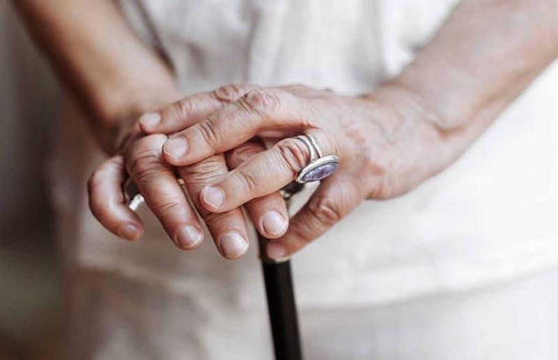 Detectan brote de COVID en hogar de ancianos de Ancud: Estaban vacunados y tuvieron síntomas leves