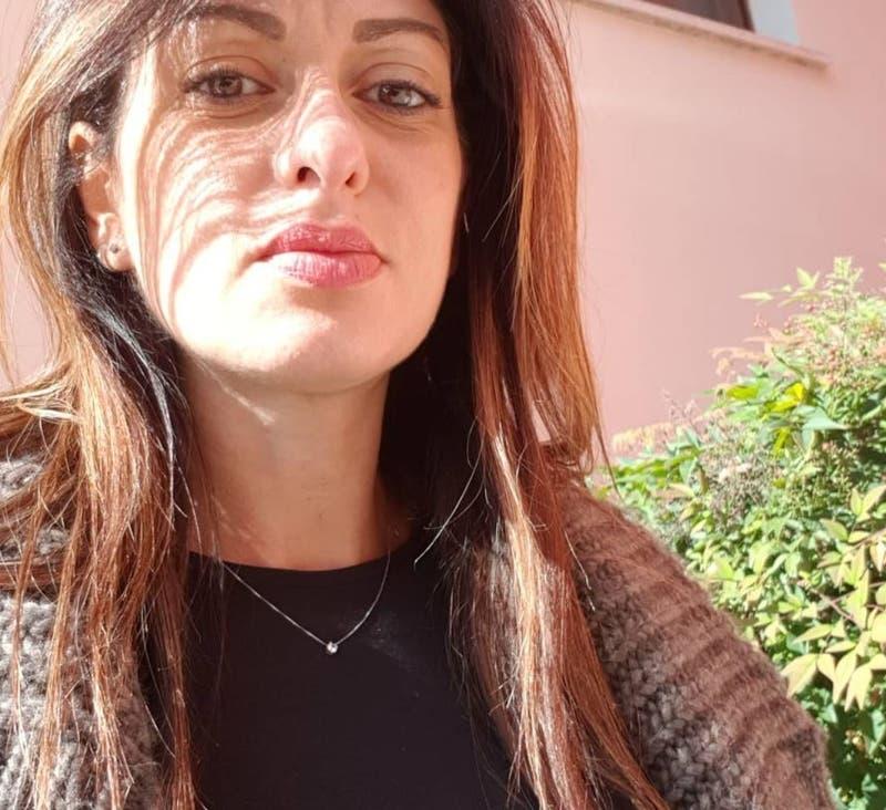 Italia: voleibolista acusa que club la penalizó por embarazarse