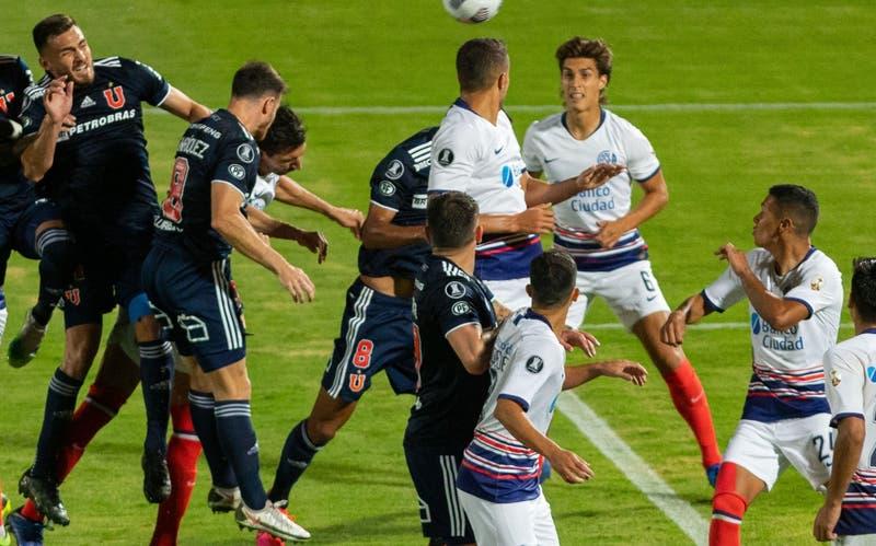 Revive el gol de Ángelo Henríquez en el empate de la U ante San Lorenzo por Copa Libertadores