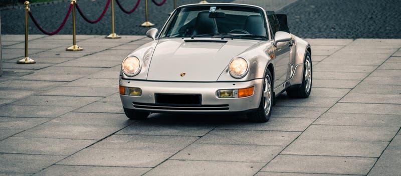 Subastan en París un Porsche que perteneció a Diego Maradona cuando jugaba en Sevilla