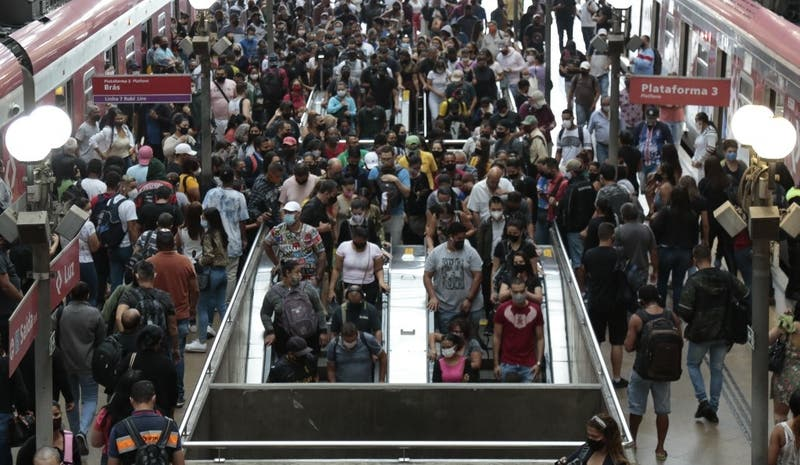 Sao Paulo impone toque de queda y suspende torneos para frenar la pandemia
