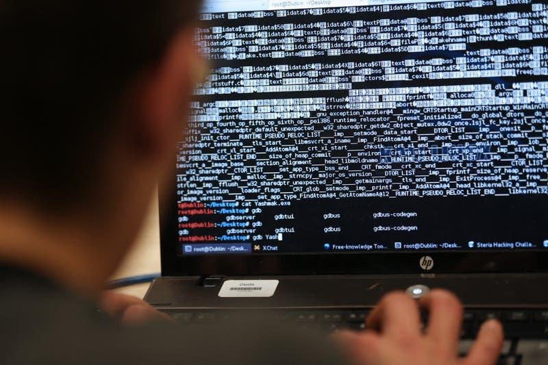 """""""Puede ser explotada con fines nefastos"""": Alertan por nuevo virus informático de Windows"""