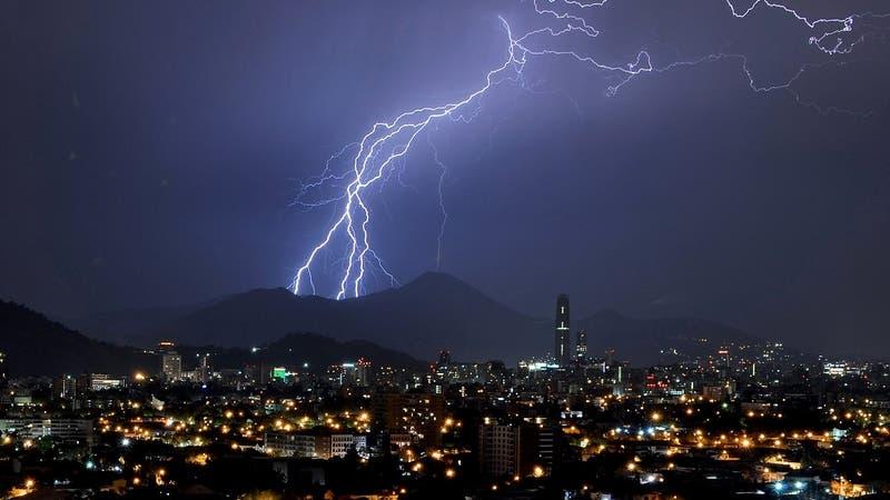 Emiten Aviso Meteorológico por tormentas eléctricas para nueve regiones del país