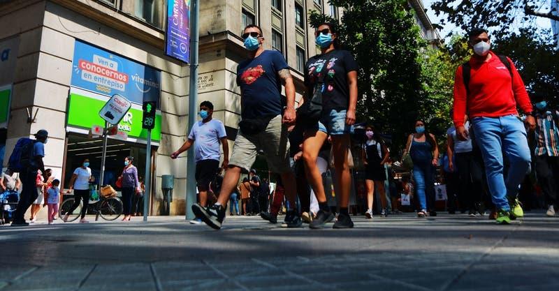 Autoridades afirman que 790 personas con COVID positivo fueron sorprendidas en la calle
