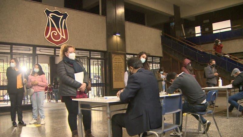 Instituto Nacional mixto por primera vez: Más de 150 alumnas se matricularon este lunes