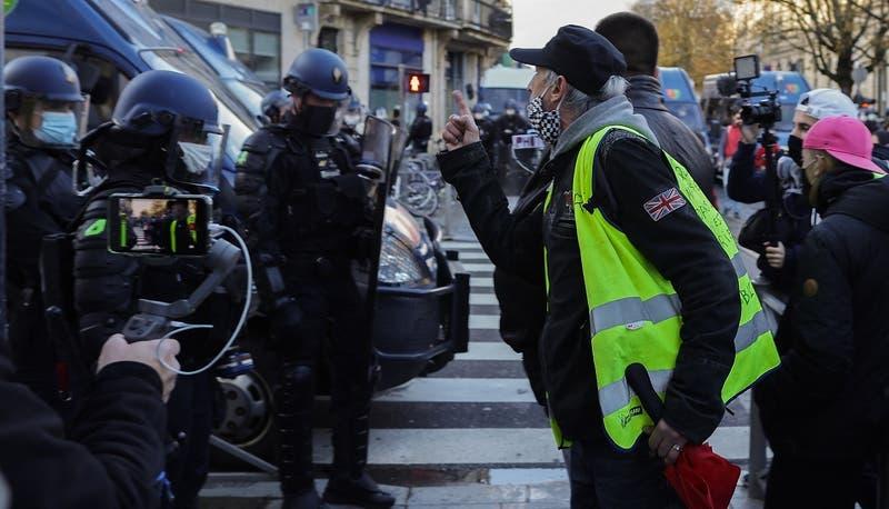 Manifestante francés que perdió un ojo recibirá millonaria indemnización