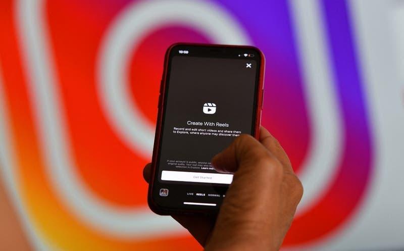 Instagram anuncia prohibición para que adultos envíen mensajes a adolescentes que no los sigan