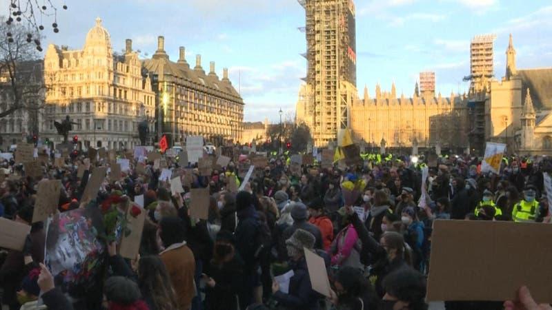 Indignación por crimen de mujer complica a Londres: Cuestionan al gobierno y la policía