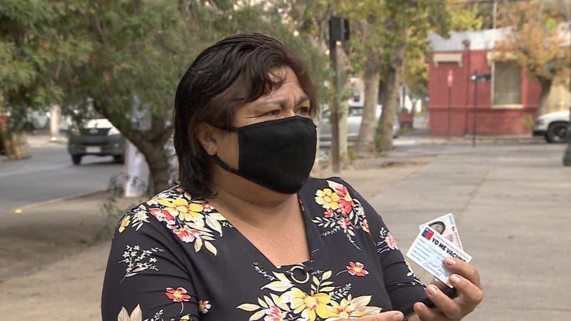 10 personas recibieron una vacuna contra el COVID-19 equivocada en San Bernardo