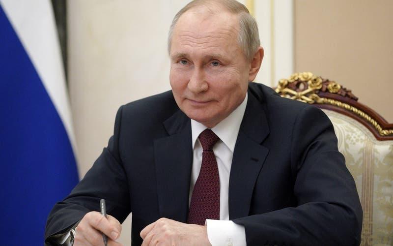 """""""El que lo dice lo es"""": Putin se burla de Biden, que lo consideró un """"asesino"""""""