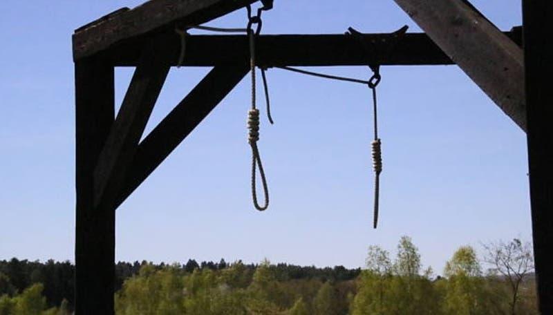 Irán ejecuta a cuatro hombres: violaron a mujer frente a esposo