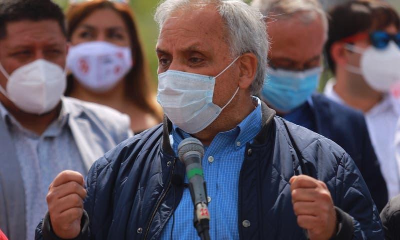 """Ex ministro Erazo: """"La región Metropolitana debiera hacer una cuarentena total"""""""