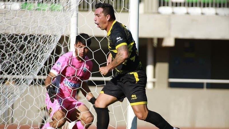 [VIDEO] Con la insistencia de un ariete, Esteban Paredes se estrena como goleador en Coquimbo Unido