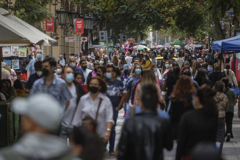 Informe Epidemiológico: Cinco comunas del país superan los mil casos activos