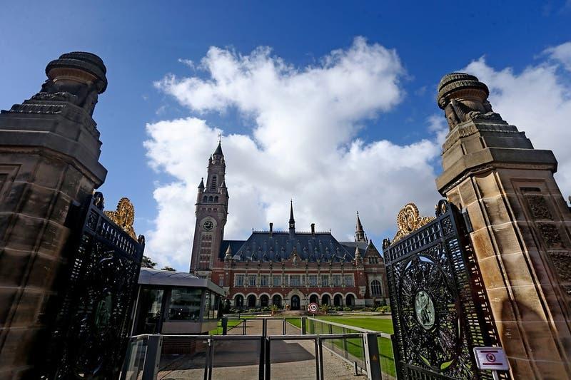 Se busca embajador: misión de Chile en La Haya lleva casi seis meses vacante