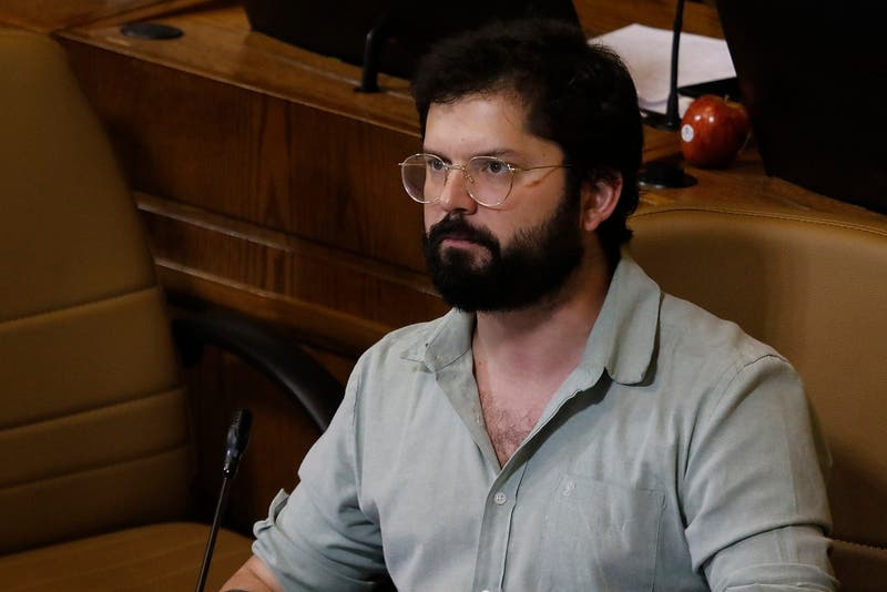 [VIDEO] Revolución Democrática proclama a Boric como candidato presidencial