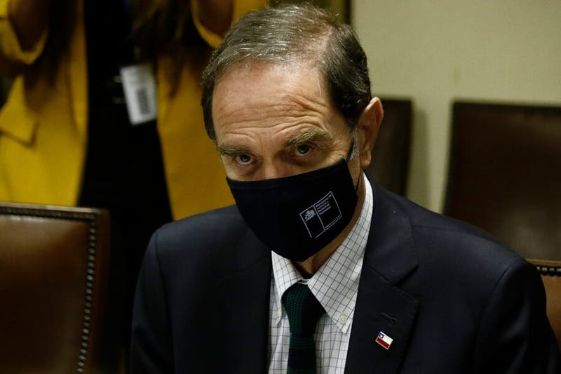 Ministro de Justicia pide que Carabineros no sean convocados a residencias del Sename