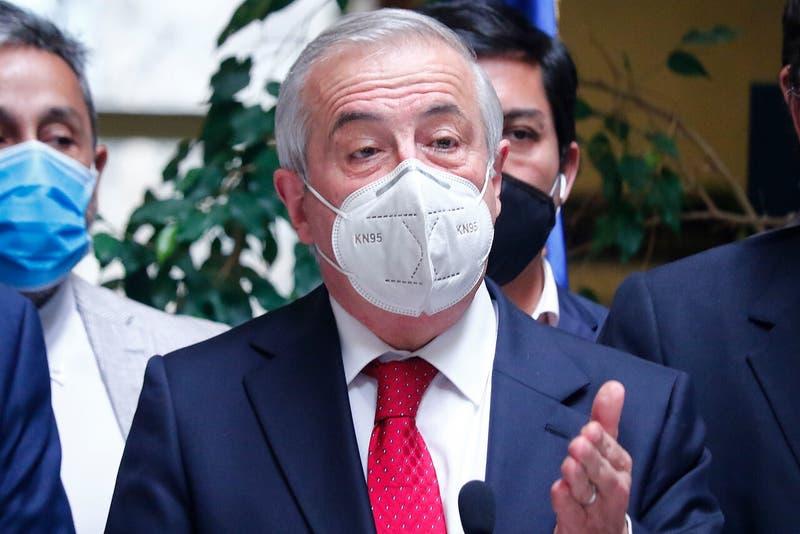Ex ministro Mañalich pide cierre total de fronteras con Brasil, Perú y Ecuador