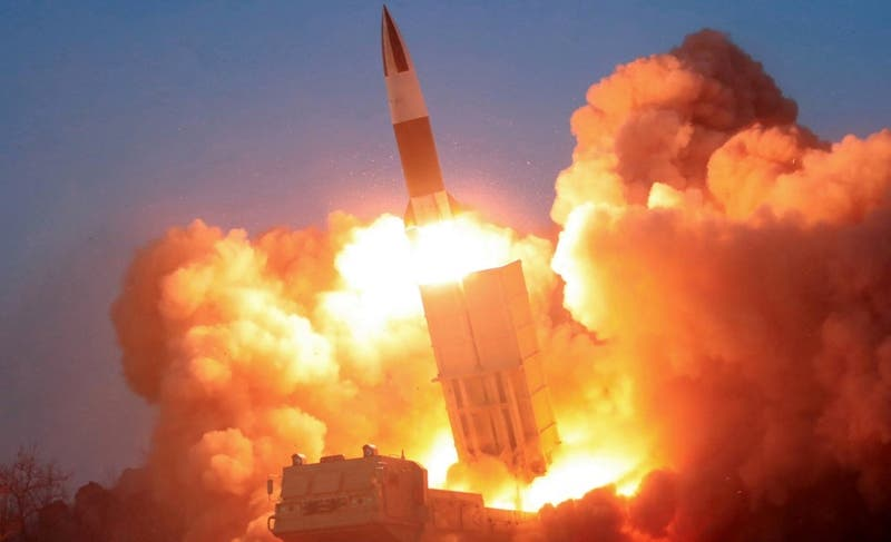 """Corea del Norte ensaya nuevo """"proyectil táctico guiado"""""""