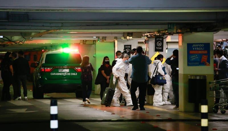 Dos personas detenidas por asalto en Mall Alto Las Condes: El policía herido está fuera de riesgo