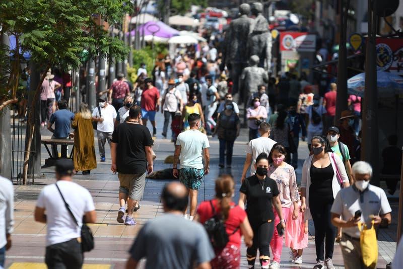 CruzBlanca no reajustará precios de planes 2021-2022 y ya son cinco las isapres que declinan alza
