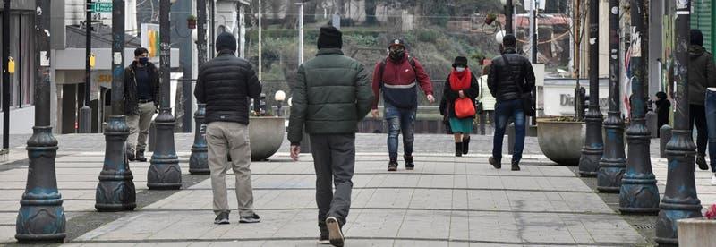 COVID-19: solo 3 regiones de Chile con menos de mil casos activos