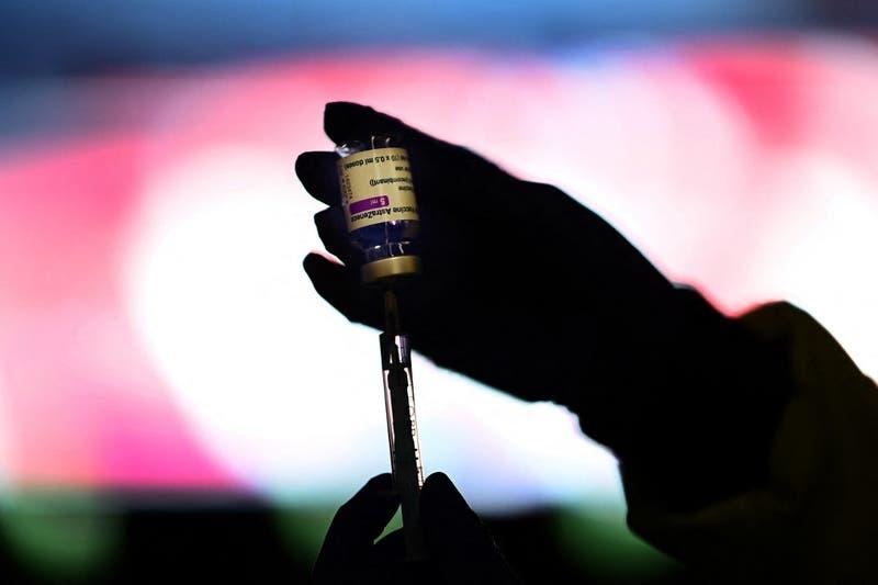 Canadá recomienda la vacuna de AstraZeneca solo para los mayores de 55 años