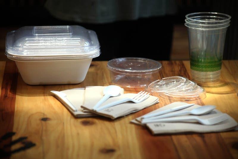 Diputados despachan normativa que regula la utilización de los plásticos de un solo uso