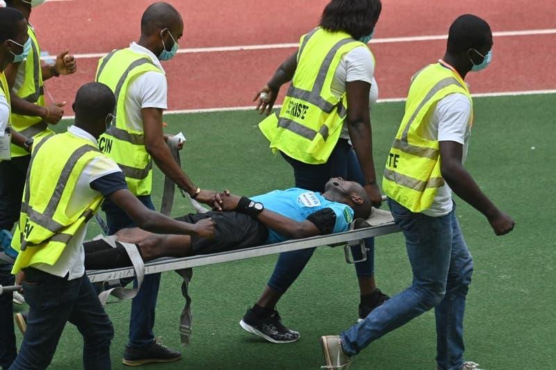 Árbitro se desmaya en pleno partido por la clasificación a la Copa Africana de Naciones