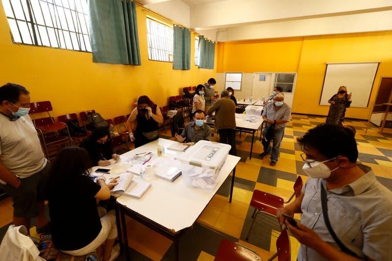Comisión del Senado aprueba en general postergar elecciones de abril por pandemia del COVID-19