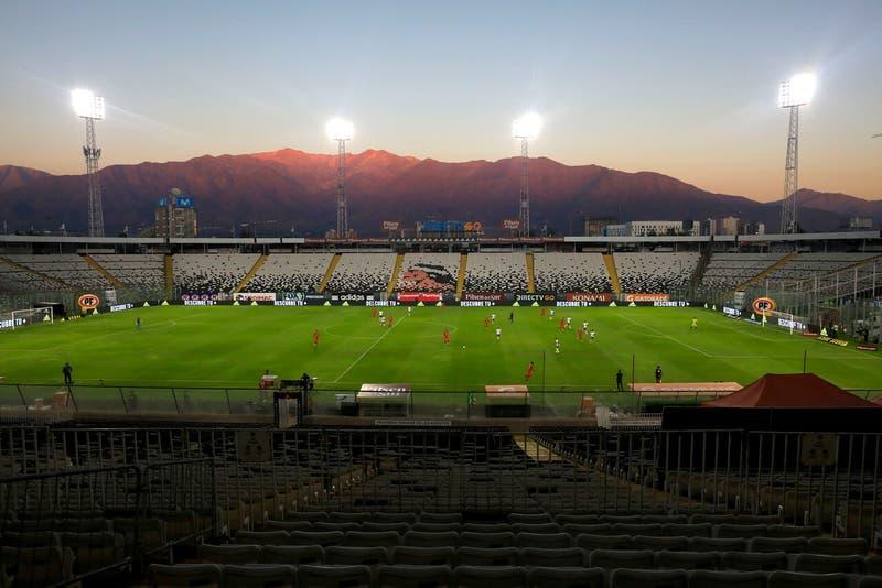 ¿Qué pasa con el fútbol chileno frente a las nuevas restricciones anunciadas por la pandemia?