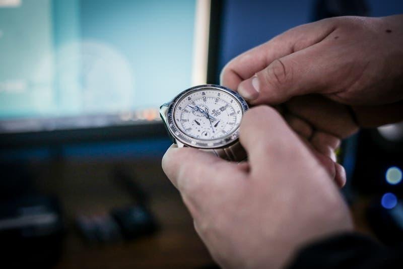 Comienza el horario de invierno 2021 en Chile: revisa si la hora de tu reloj es correcta