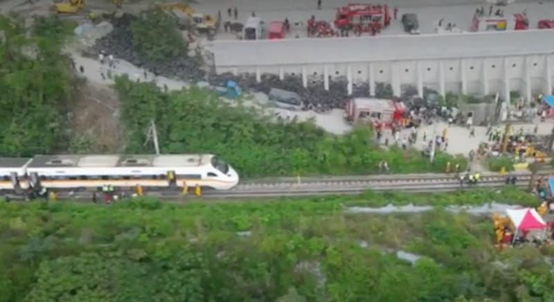 [VIDEO] Accidente ferroviario en Taiwan: 51 personas fallecidas y cientos de heridos