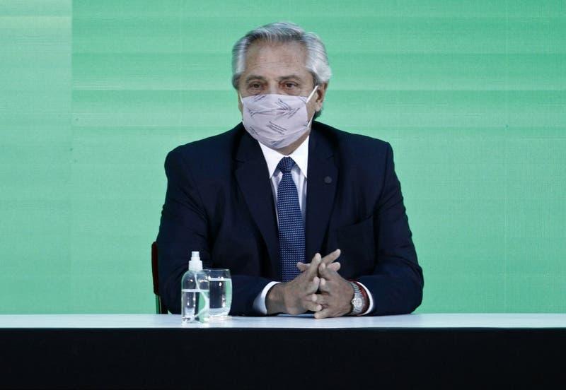 Test PCR confirma contagio por COVID-19 del presidente argentino Alberto Fernández