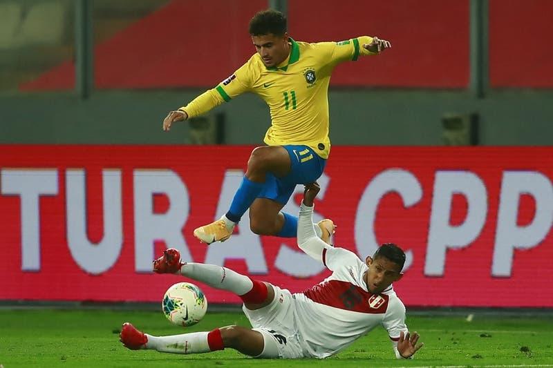 Brasileño Philippe Coutinho se perderá la Copa América por lesión de meniscos
