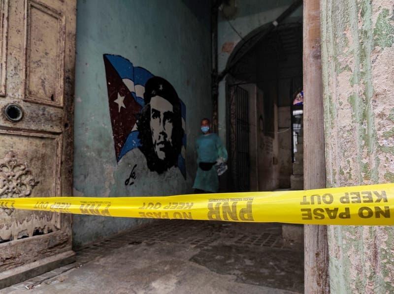 Cuba trata de frenar rebrote de Covid con persuasión y mano dura