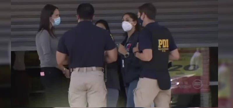 """Seremi de Salud cierra supermercado en La Cisterna: """"Aquí hay un brote de COVID-19"""""""