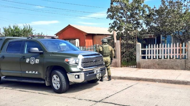 """Hombre fue detenido en La Serena: Amenazó a su pareja con """"hacer volar"""" su casa"""