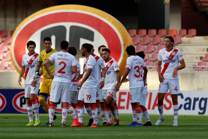 """Gobierno advierte con suspender el fútbol: """"Si no cumplen protocolos, el torneo corre riesgo"""""""