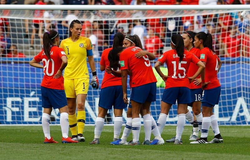 Repechaje olímpico: ¿A qué hora juega La Roja femenina ante Camerún este sábado?