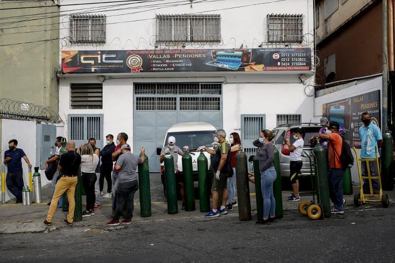 ONG Médicos Unidos denuncia que 456 trabajadores sanitarios han muerto por Covid-19