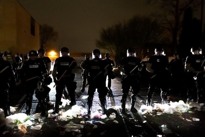 Protestas en EE.UU por muerte de ciudadano afroamericano a manos de la policía