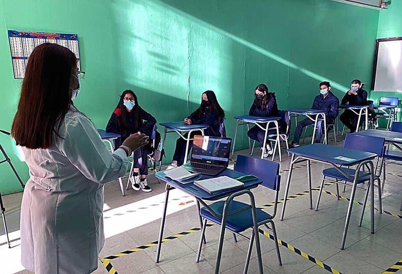 Estudio U. de Chile revela que el 20% de los profesores se retira en primeros 5 años de vida laboral