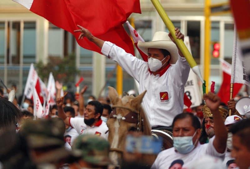 Pedro Castillo: Candidato peruano contra Latam y Falabella