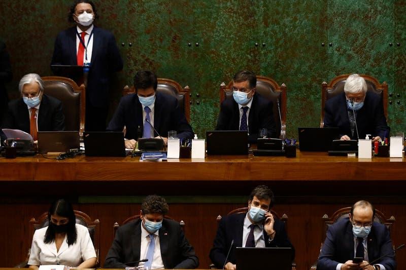 Tercer retiro: la resistencia de Piñera en la Cámara y la incierta apuesta para ganar en el Senad