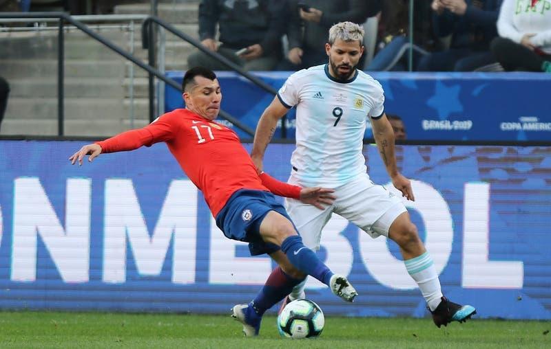 Cambio en el calendario de las Eliminatorias: Prensa argentina anticipa duelo contra Chile en junio